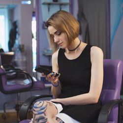 Online scheduling software for salon professionals